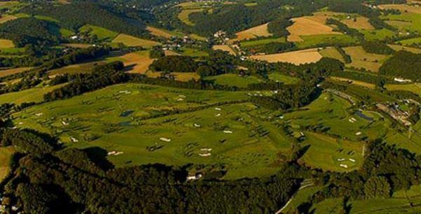 Luftaufnahme des GC Velbert Gut Kuhlendahl (Foto clubeigen)